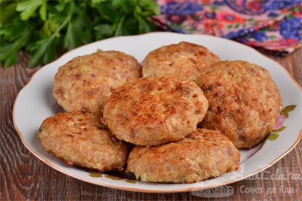Котлеты с грибами и сыром в духовке куриные