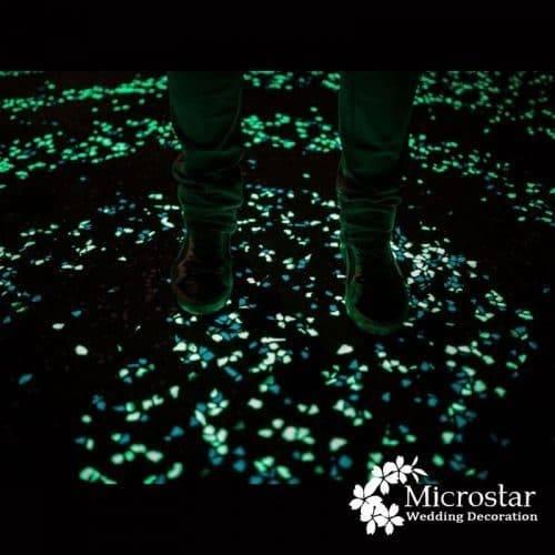 Делаем светящиеся в темноте камни своими руками!