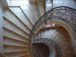 Винтовые лестницы из дерева: расчет и устройство своими руками