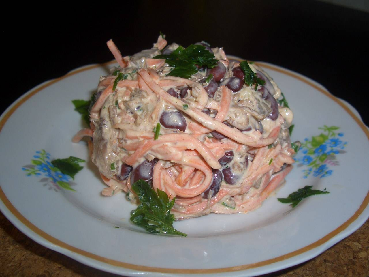 Салат из дайкона — рецепты приготовления с морковью, яблоком, огурцом, мясом, фото, видео