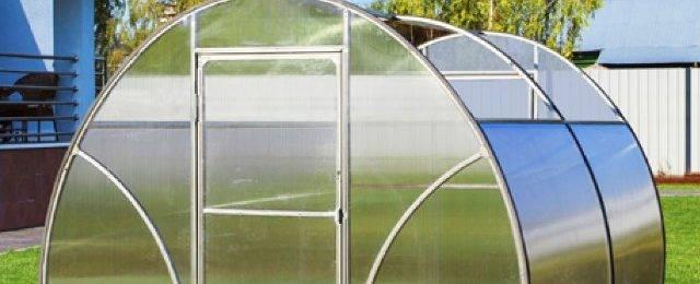 Плюсы теплиц с раздвижной крышей: 5 положительных моментов