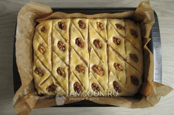 Готовим армянскую пахлаву в домашних условиях: вкуснейший рецепт из готового слоеного теста с фото