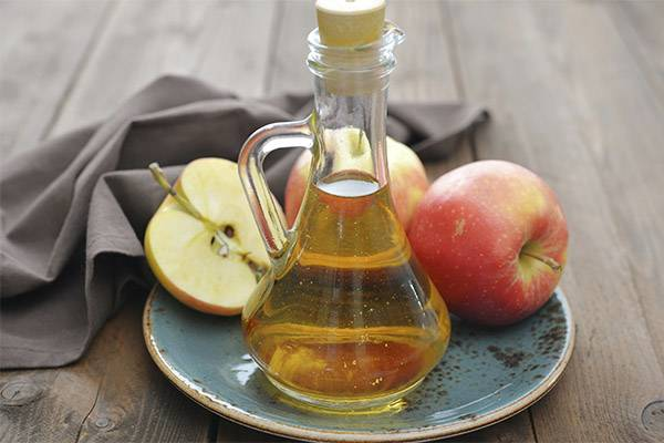 Польза и вред яблочного уксуса и лечение им