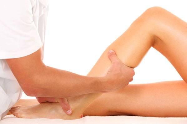 Помогает ли яблочный уксус при варикозе ног
