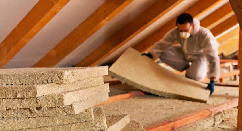 Какой утеплитель для стен внутри дома на даче лучше выбрать?