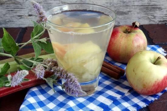 Топ 25 пошаговых рецептов приготовления компота из яблок на зиму