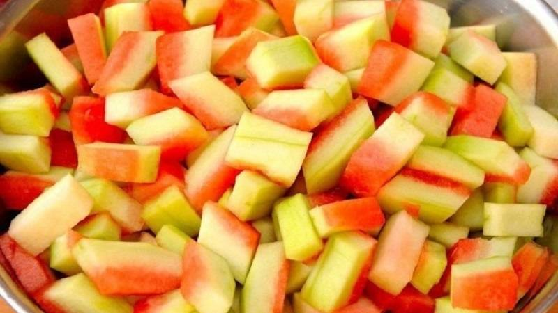 Польза и вред арбузных корок. польза и вред от употребления арбузных корок арбузные корки полезны для овощей
