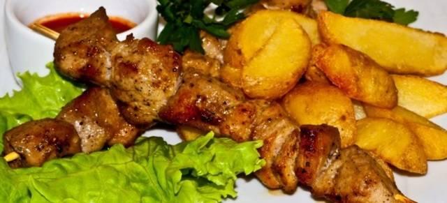 Шашлык из свинины в лимонно-уксусном маринаде в рукаве