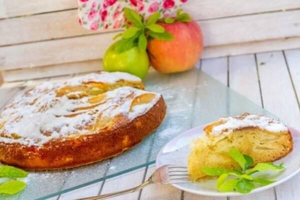 Шарлотка на кефире с яблоками: рецепт с фото. пышная шарлотка на кефире с яблоками — простые и очень вкусные рецепты шарлотки в духовке