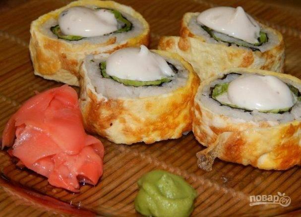Роллы «цезарь» с курицей по американскому или японскому рецепту