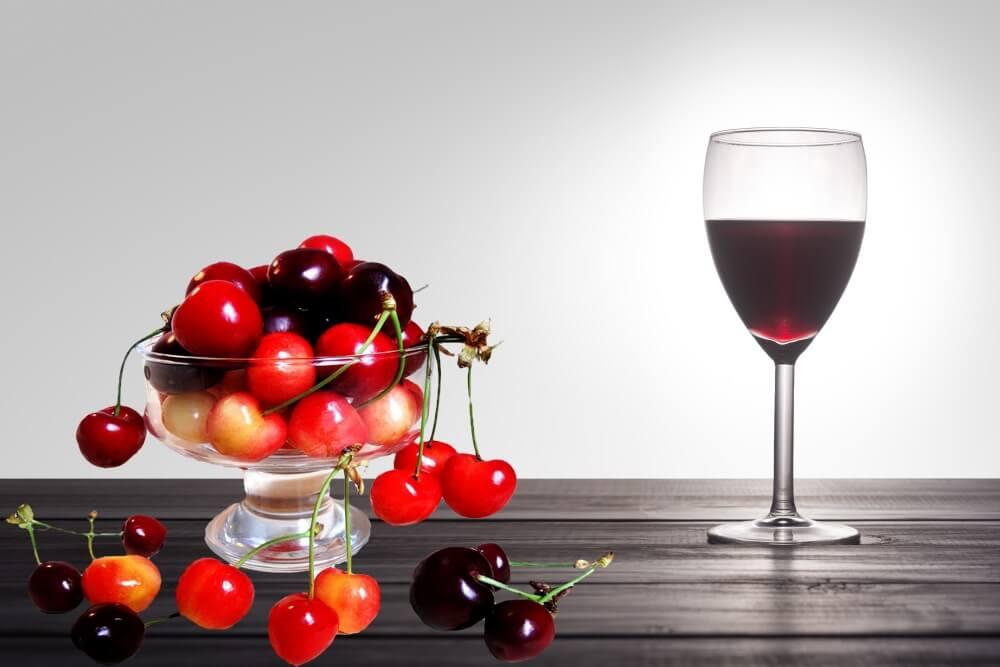 Вино из черешни – 5 замечательных рецептов в домашних условиях
