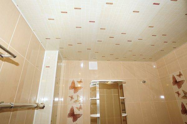 Отделка потолка пвх-панелями своими руками: пошаговая инструкция с фото и видео
