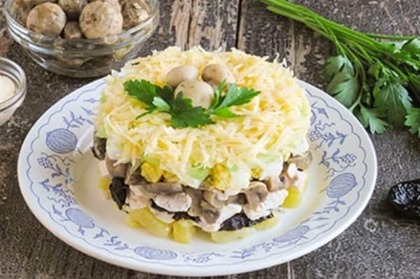 Рецепт салат с маринованными шампиньонами