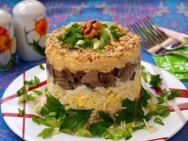 Рецепты салата с жареными грибами для настоящих гурманов