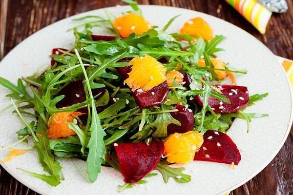 Царский витаминный салат с рукколой для ежедневной трапезы
