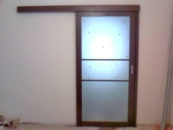 Выбор двойных раздвижных межкомнатных дверей и механизмов
