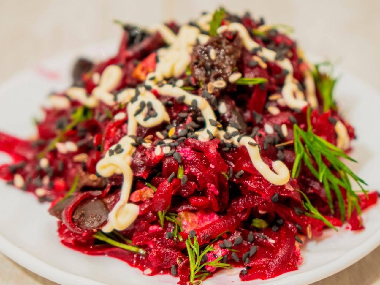 Салат с грецким орехом - 219 домашних вкусных рецептов приготовления