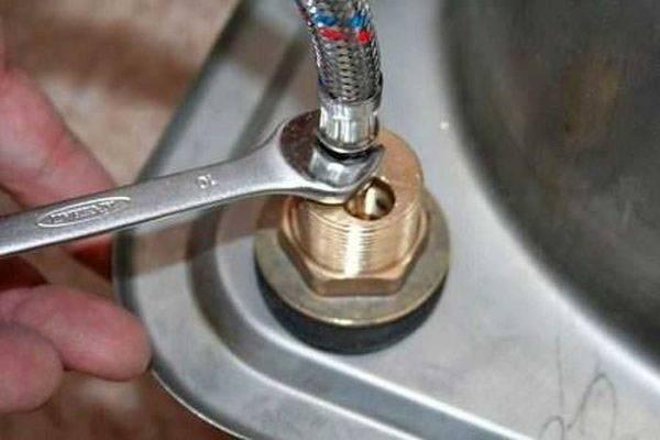 Ремонт смесителя для кухни своими руками однорычажного: пошаговая инструкция