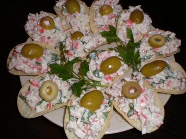 Семь популярных рецептов закуски на чипсах