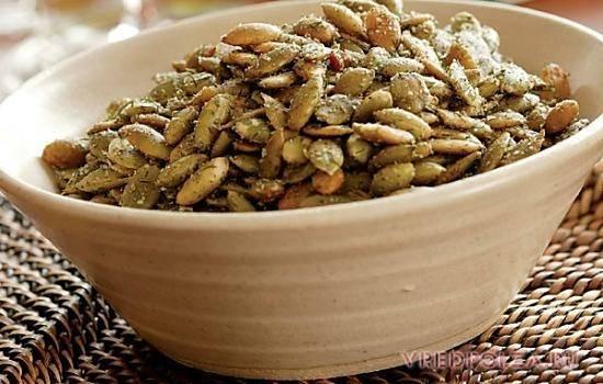 Чем полезны тыквенные семечки и как их принимать, отзывы