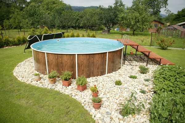 Как сделать декоративный бассейн своими руками?