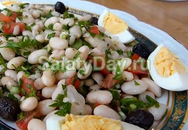 Салат с фасолью и сухариками: вкусный и быстрый рецепт с фото