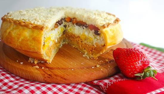 Татарский пирог губадия с рисом и изюмом