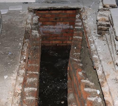 Смотровая яма в гараже своими руками из кирпича: учимся делать