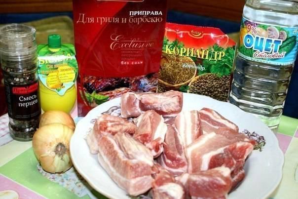 Шашлык из мяса свинины на шпажках в духовке
