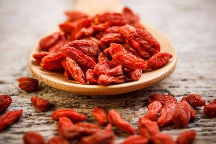 Что это такое – ягода годжи: польза, вред и как принимать