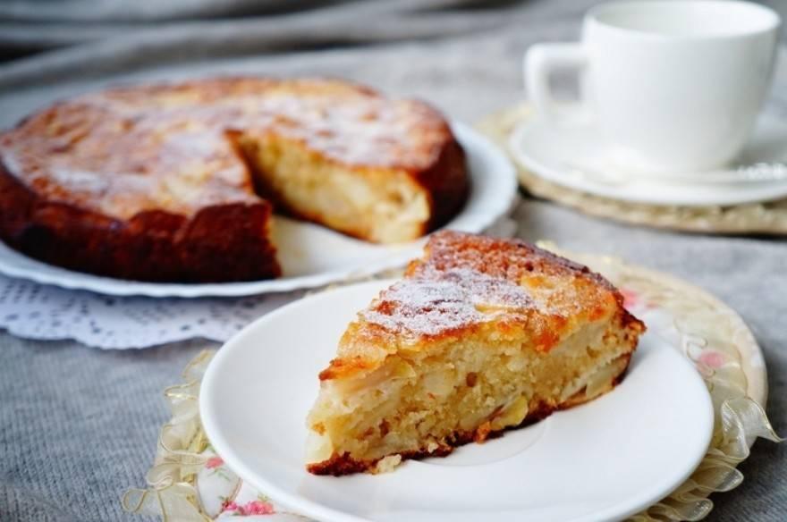 Шарлотка с яблоками в духовке — 24 пошаговых рецепта с фото
