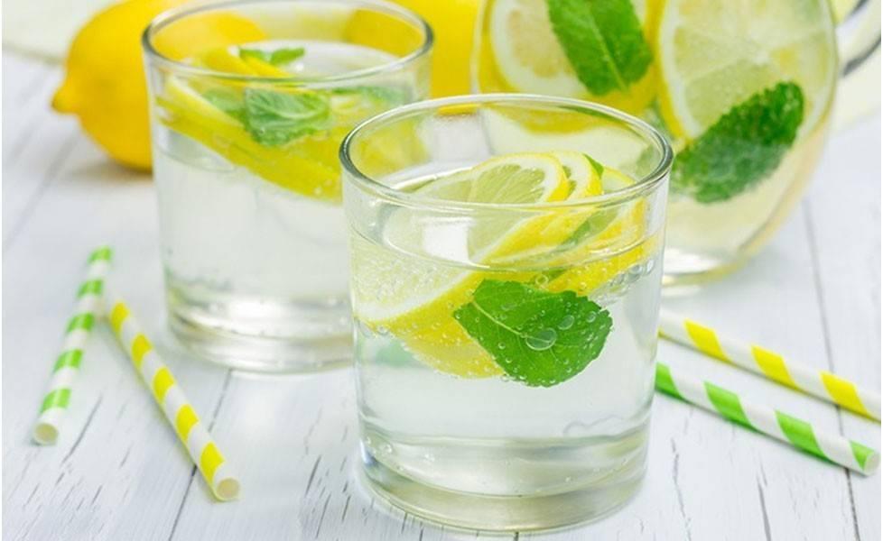 Лимонная вода: польза и вред, рецепты приготовления, как пить