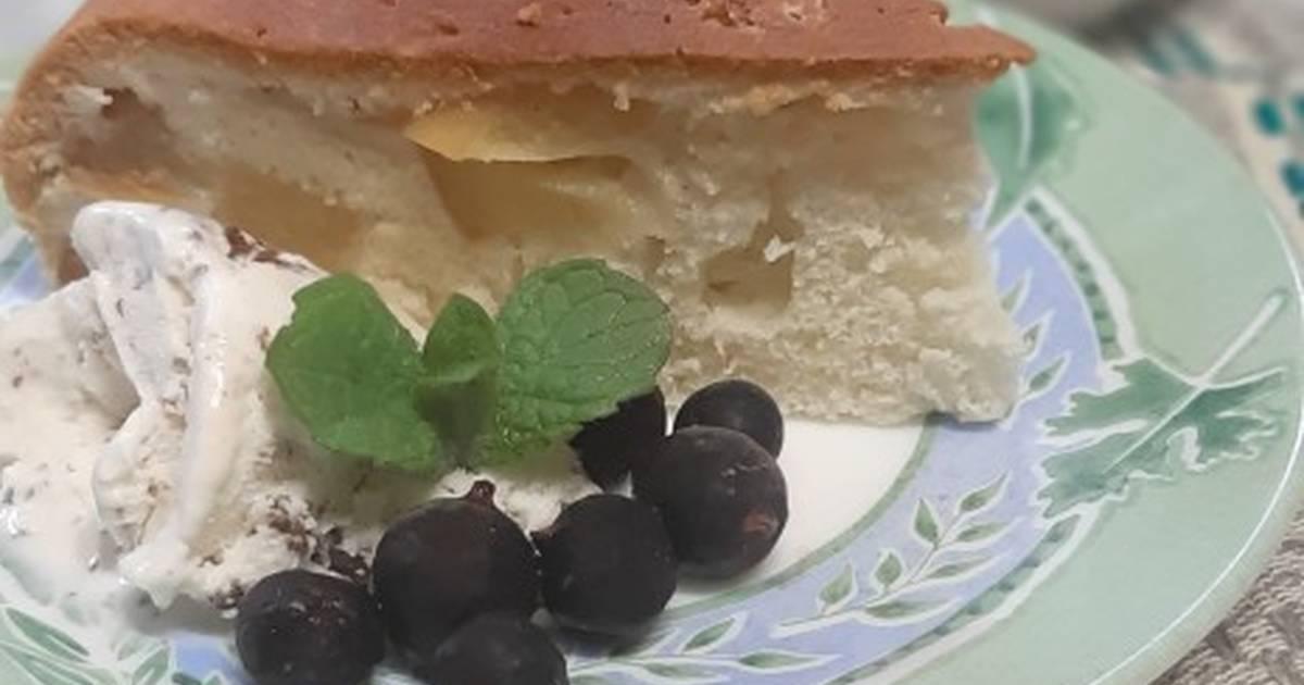 Шарлотка с яблоками в мультиварке: 3 рецепта