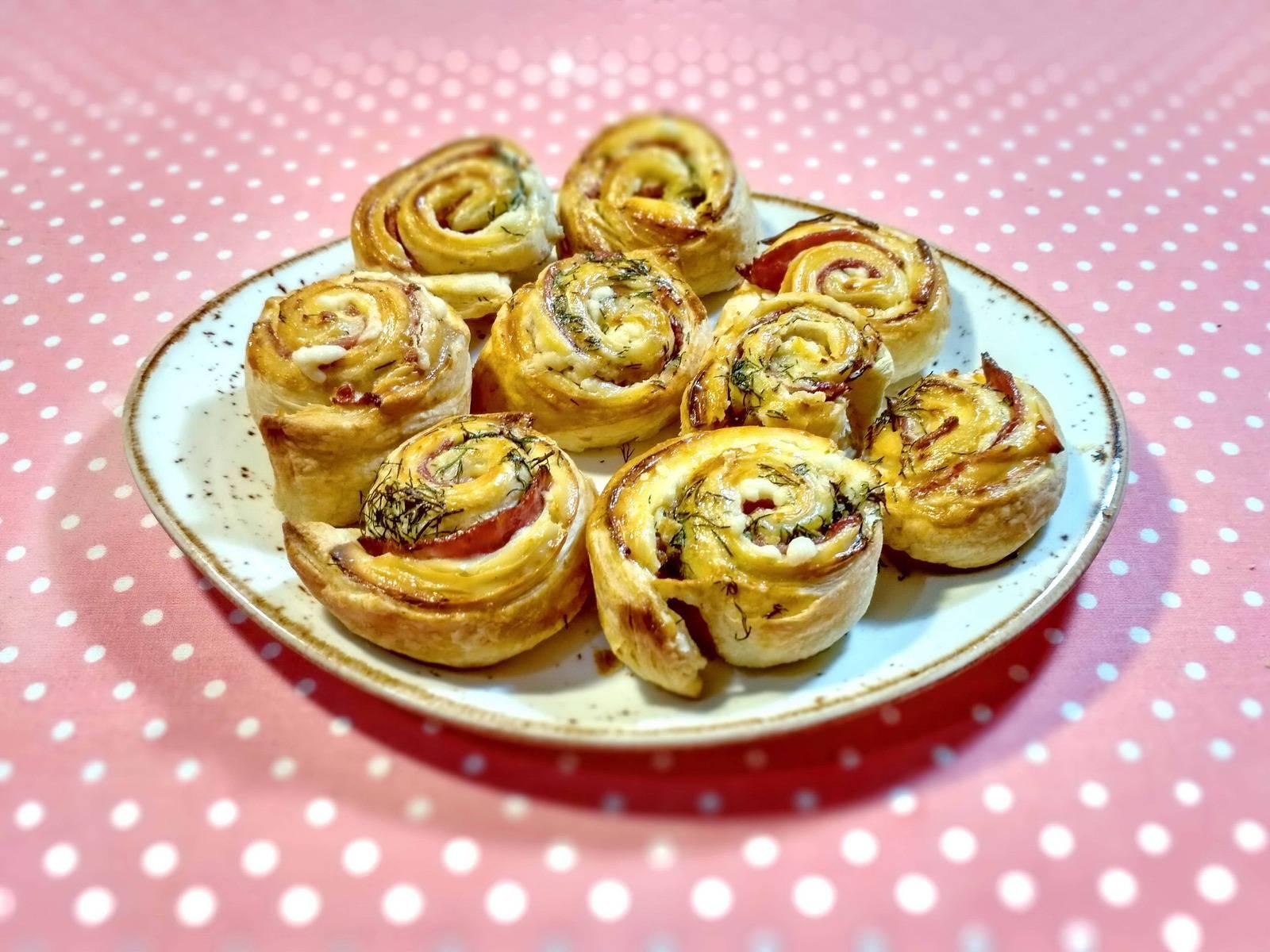 Пироги из слоеного теста 132 домашних вкусных рецепта