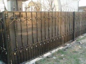 Какой забор обойдется вам дешевле всего: лучшие варианты недорогих ограждений