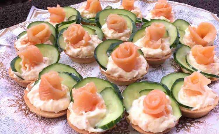 Закуски в тарталетках — 5 рецептов с оригинальной начинкой к праздничному столу