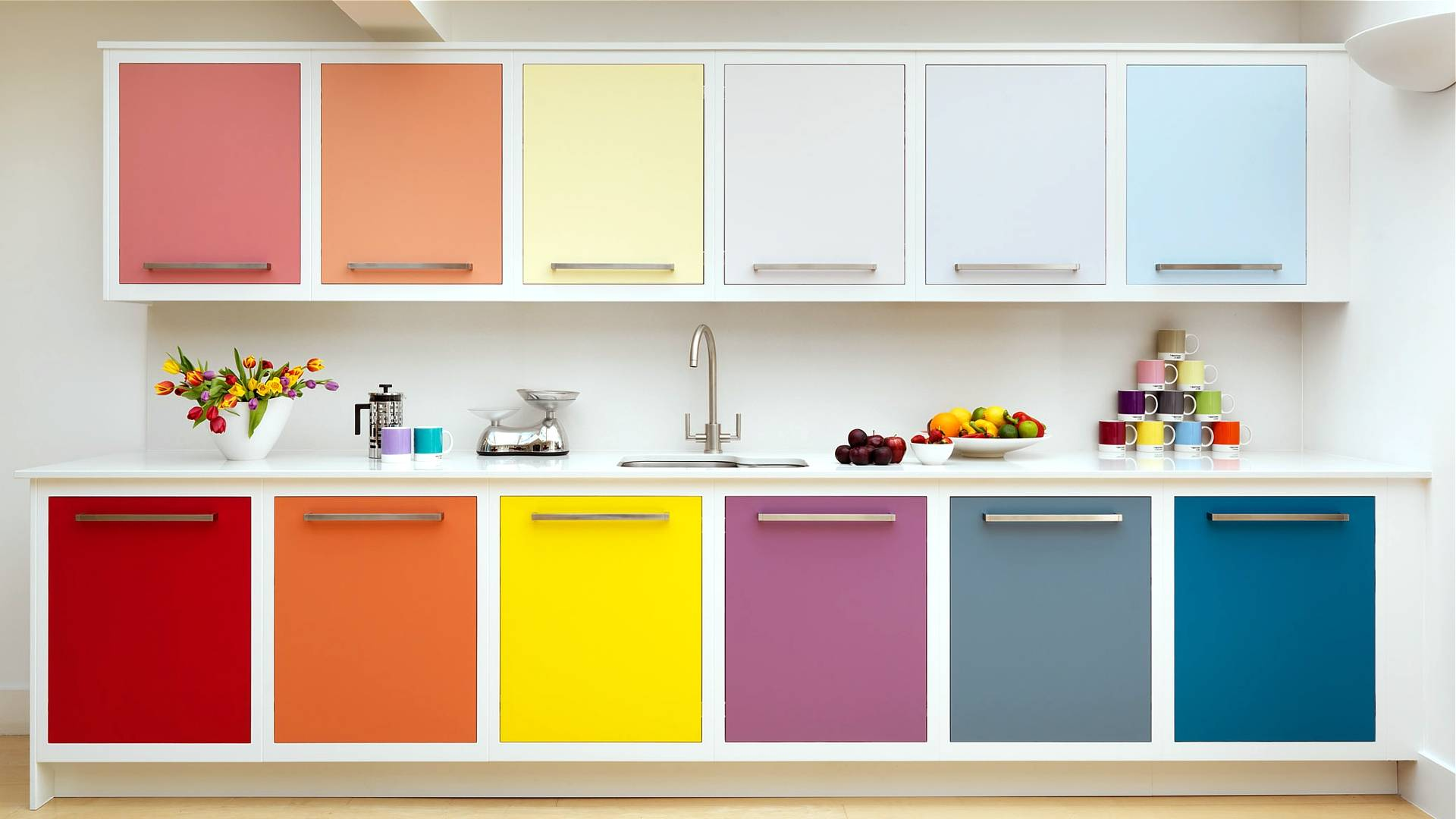 Как выбрать обои на маленькую кухню – методы и советы
