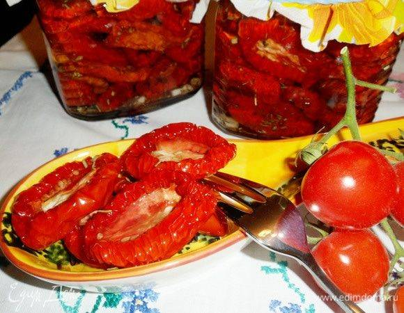 Шикарные вяленые помидоры — быстрый рецепт в духовке! пряные травы, чеснок и масло — итальянский вариант.