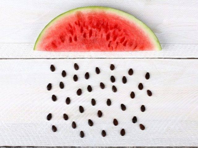 Почему нельзя выбрасывать арбузные семечки: о пользе косточек