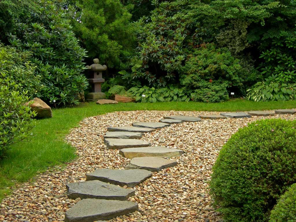 Укладываем дорожки из природного камня. способы и пошаговые инструкции.