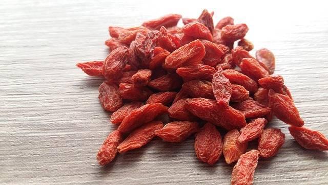 Ягоды годжи. свойства, как принимать ягоды, каков эффект, противопоказания и возможный вред для организма.