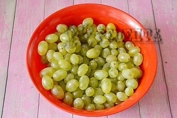 Компот из винограда на зиму со стерилизацией и без
