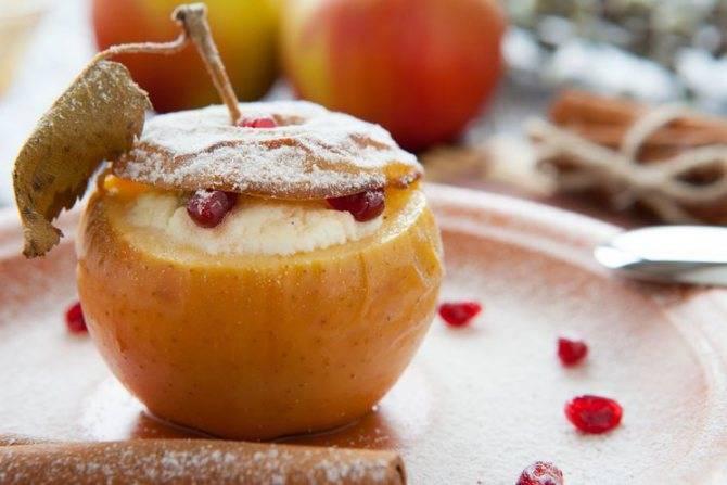 Запеченные яблоки в духовке, мультиварке. рецепты с медом, творогом, корицей, сахаром, орехами, в слоеном тесте