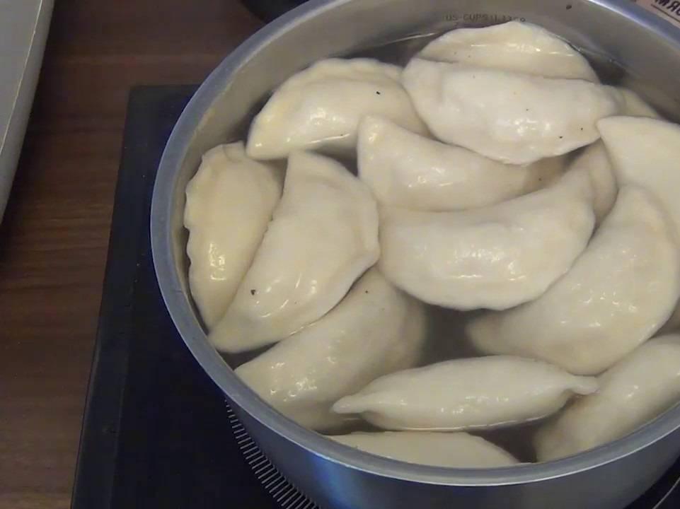 Как правильно  и сколько варить свежие и замороженные вареники?