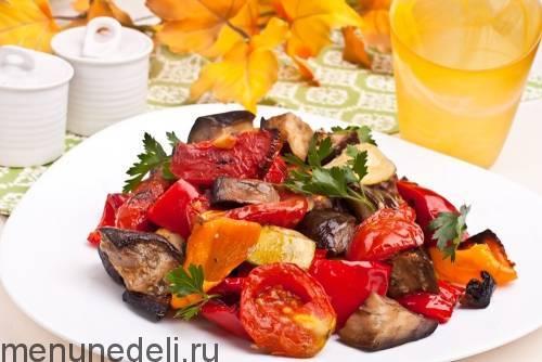 Индейка с овощами в духовке