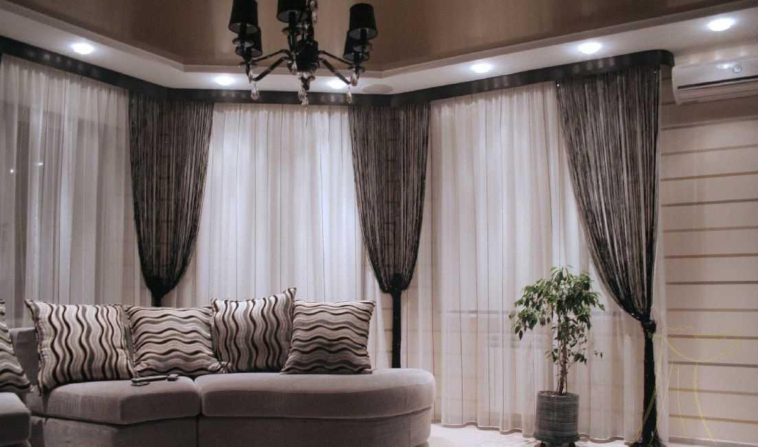 Правильный выбор занавесок для гостиной