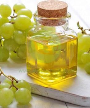 Стоит ли употреблять масло виноградной косточки: полезные свойства для здоровья и обзор отзывов о применении