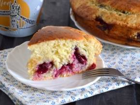 Пирог с творогом и вишней быстрый — рецепт приготовления, видео
