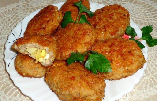 Зразы рыбные с яйцом и сыром