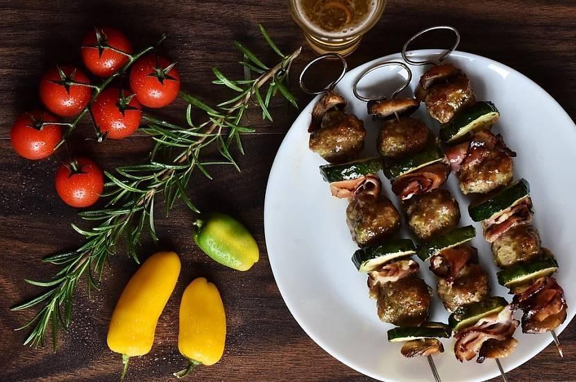 Шашлык в духовке из свинины — 6 проверенных рецептов от профессиональных мастеров
